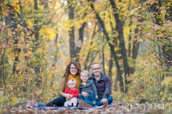 Fall Family Portrait Winnipeg park