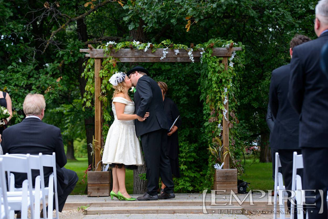 Winnipeg Wedding With Kirsti Amp Tom At St Boniface Golf Course Empire Photography